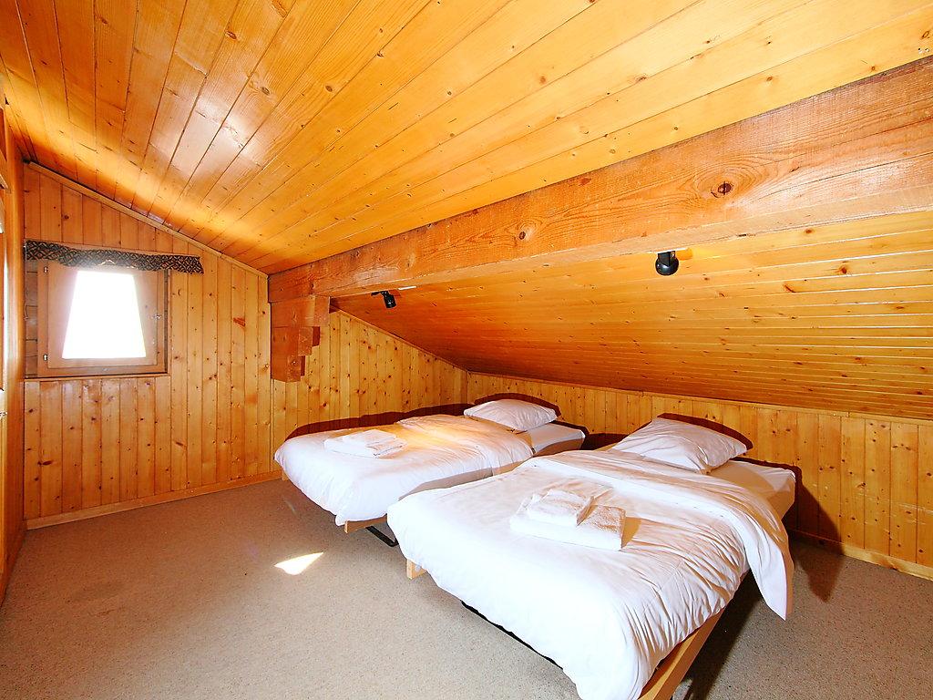 ferienwohnung rousserolles 4 val de bagnes 4 vall es. Black Bedroom Furniture Sets. Home Design Ideas