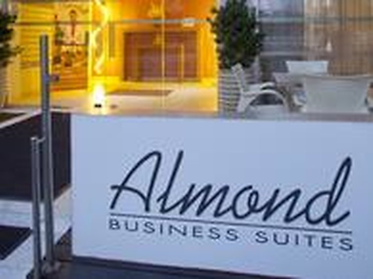 almond-business-suites-double