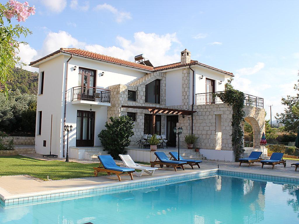 Ferienhaus knossos villa paphos for Ferienhaus zypern