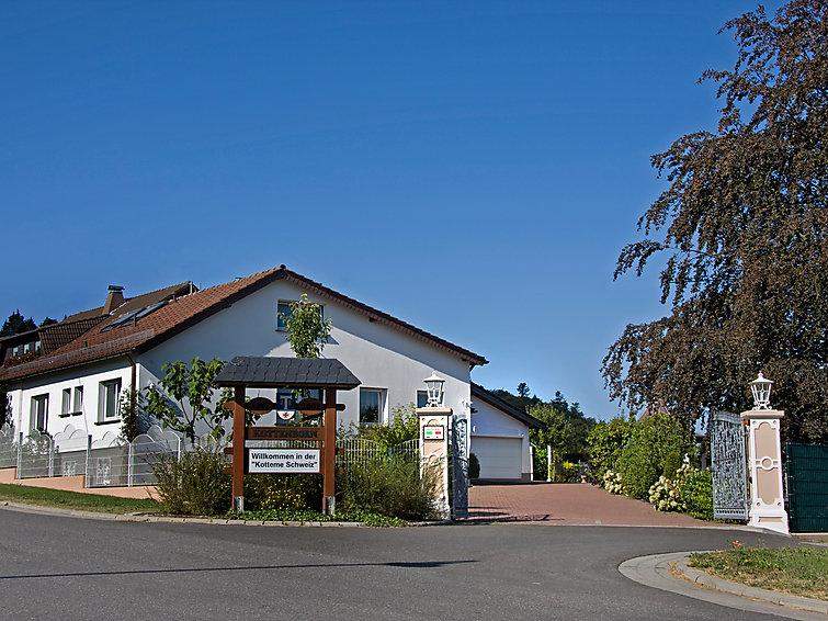 Woonkamer Fonteinen : Vakantiehuis Haus Kottenborn gelegen in Adenau ...