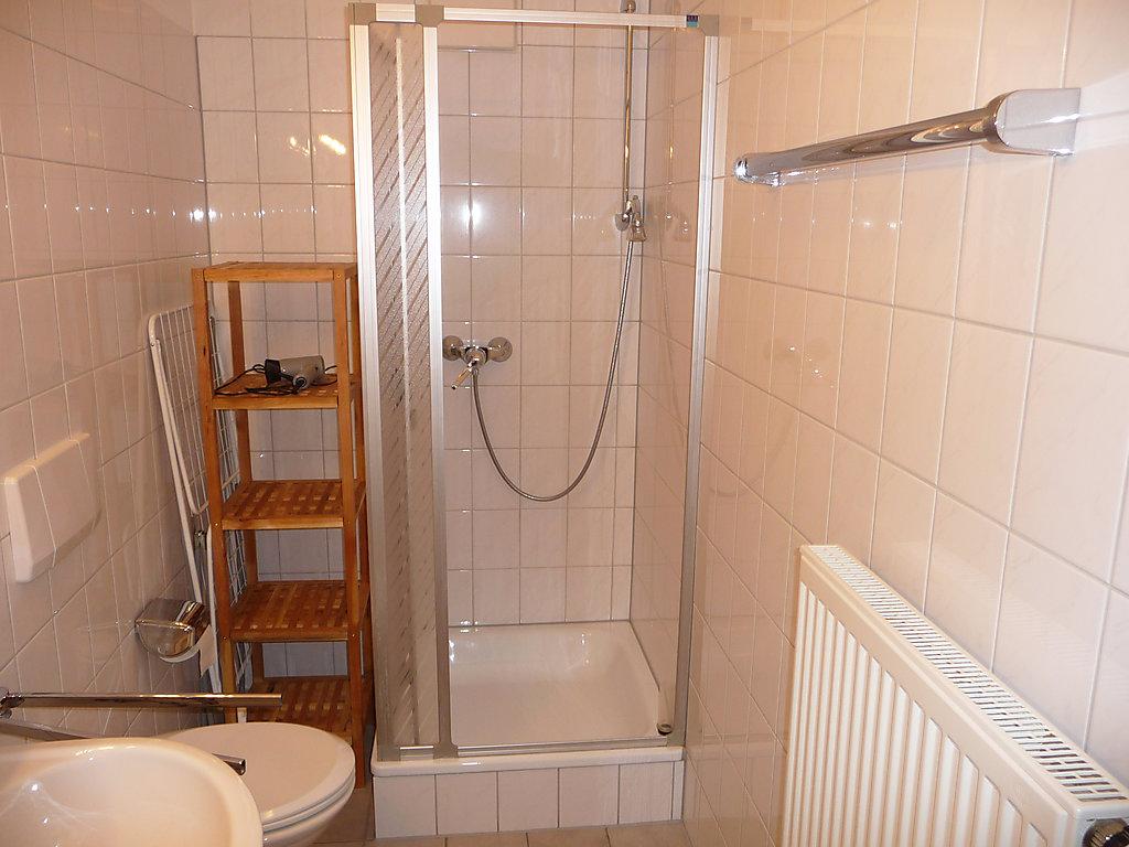 ferienhaus schonach freiburg 4 personen waschmaschine haus nr 48617. Black Bedroom Furniture Sets. Home Design Ideas