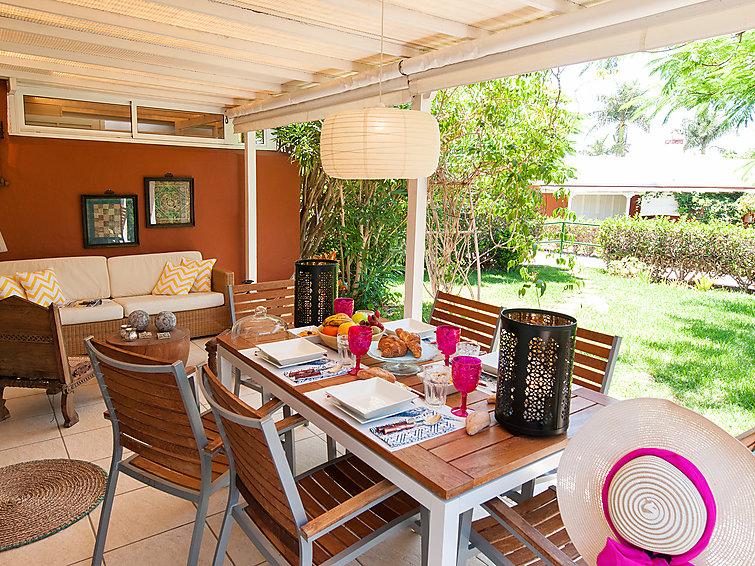top-deluxe-bungalow-in-maspalomas