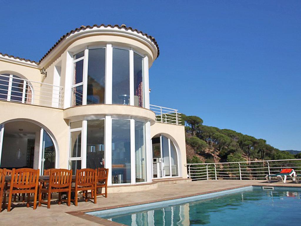 ferienhaus villa gaud costa brava. Black Bedroom Furniture Sets. Home Design Ideas