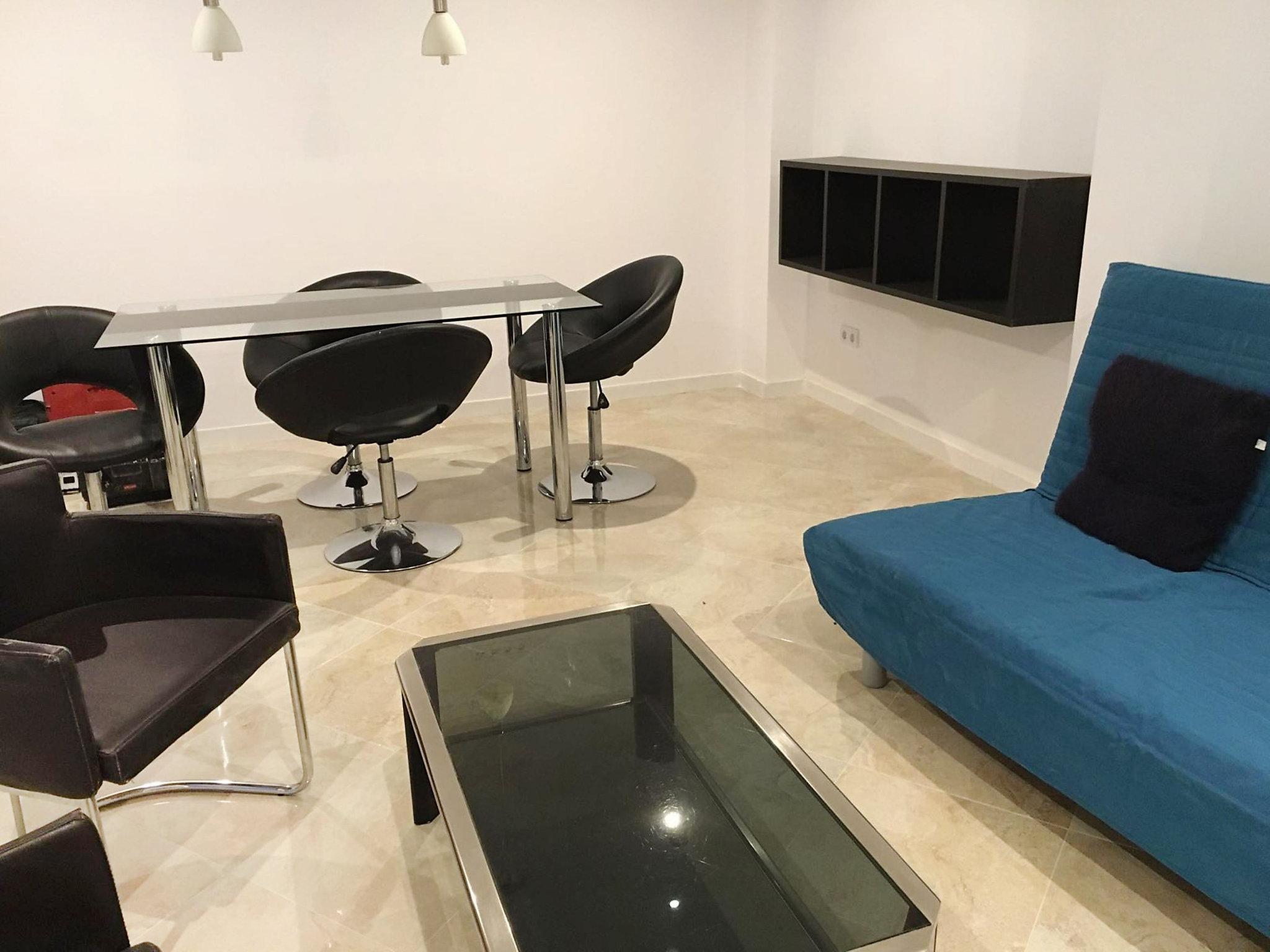 Valencia, Spanje Appartement #RU363085