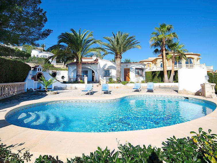 """Casa Lina. Cometa: Maison individuelle """"Casa Lina"""". À 3 km de la mer. A usage privé: terrain 1'000 m2 (clôtur&ea"""