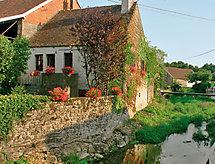 Semur en Auxois - Holiday House L'Ozerain