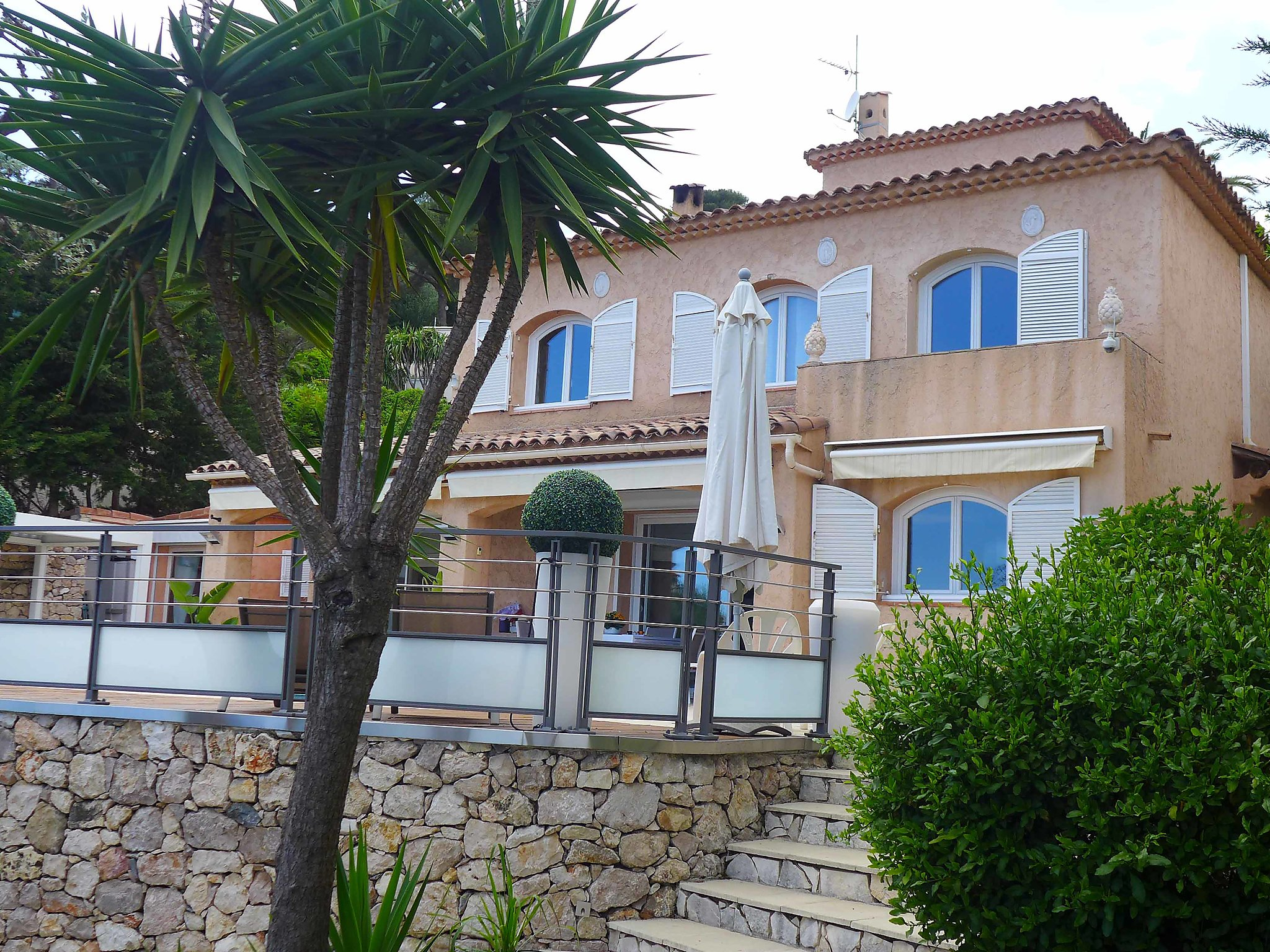 Roquebrune Cap Martin, Francia Apartamento #RU358543
