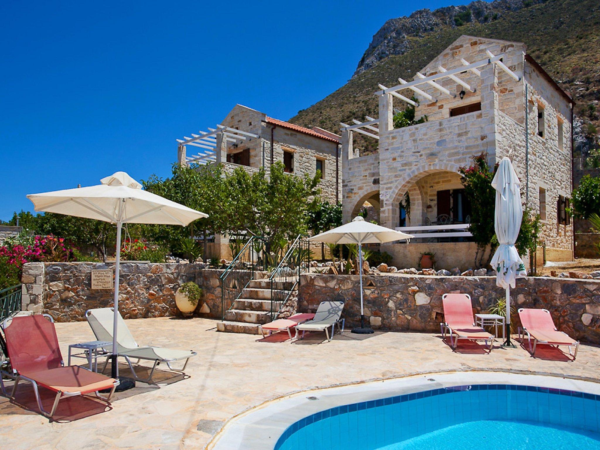 Chania, Grecia Apartamento #RU375038