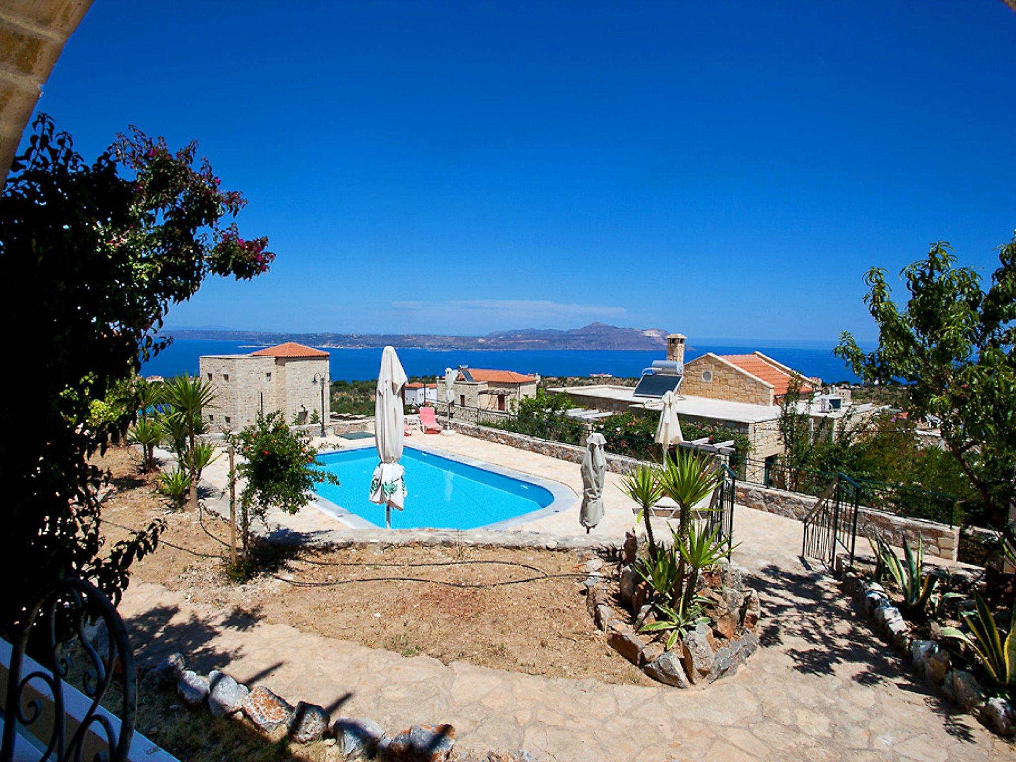 Chania, Grecia Apartamento #RU374971