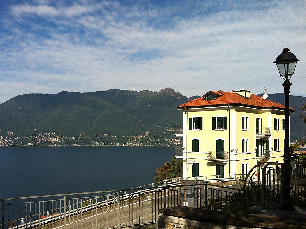 ferienwohnung belvedere lago maggiore lombardei. Black Bedroom Furniture Sets. Home Design Ideas