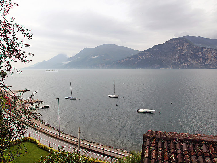 Holiday house Paola (6p) with view at Lake Garda in Italy (I-740)