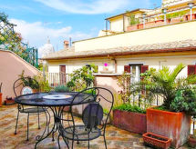 Rome: Historical City Center - Apartment Condotti Terrace