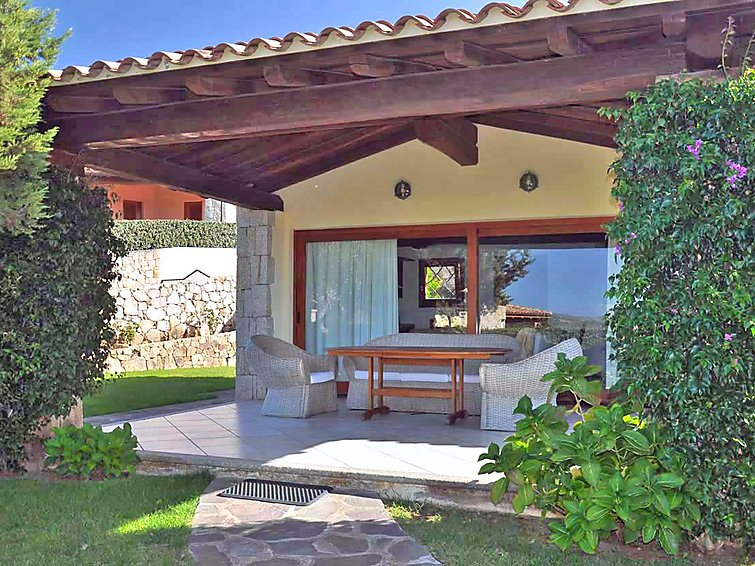 Holiday villa Porto Coda (6p) with view over the sea at Sardinie Italy (I-749)