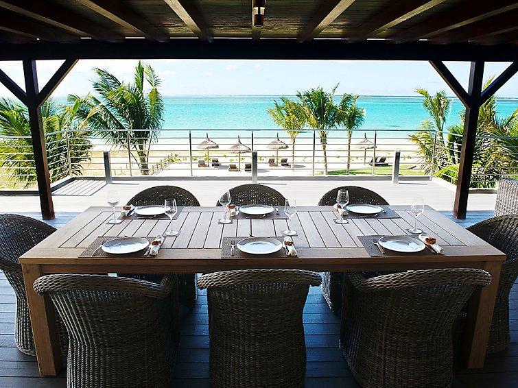 paradise-beach-by-horizon-holidays