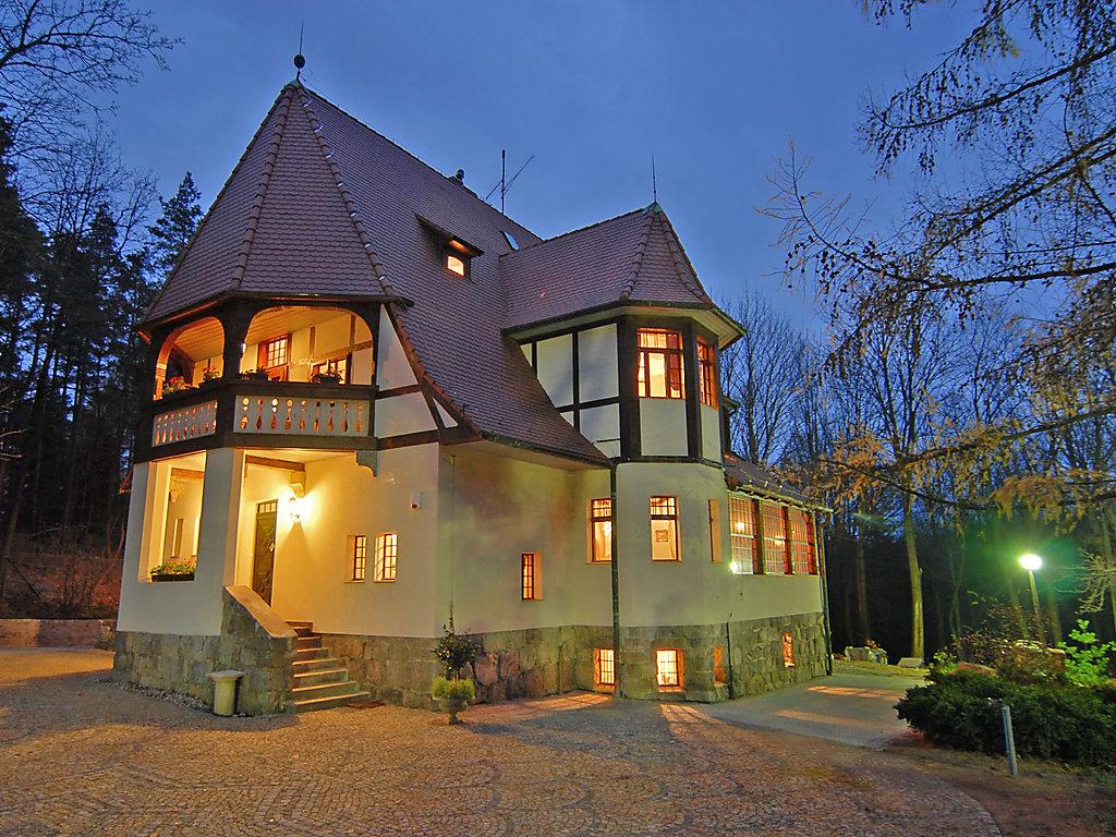 Casa di vacanza lawendowe wzg rze ovest sudeti for Piani chiave di casa ovest