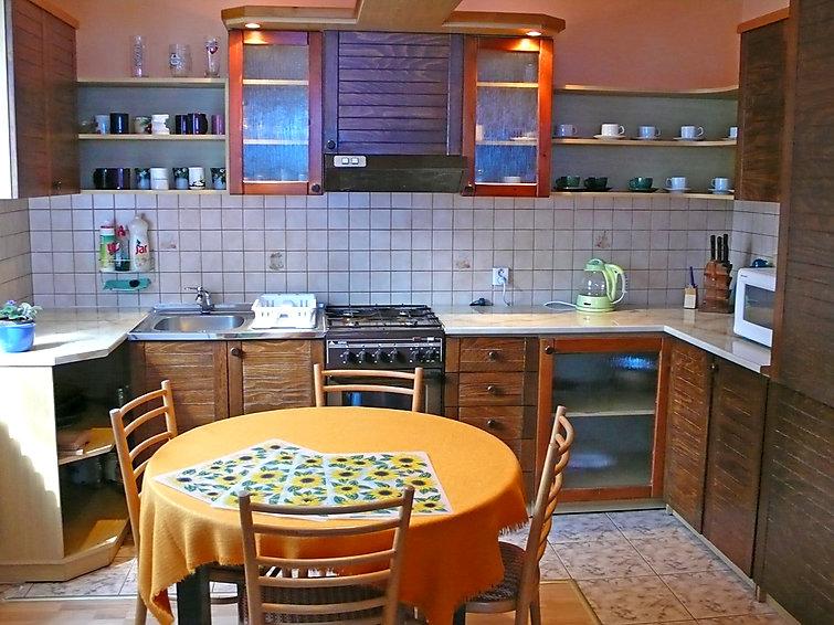 ferienhaus oscadnica kisch tz region. Black Bedroom Furniture Sets. Home Design Ideas