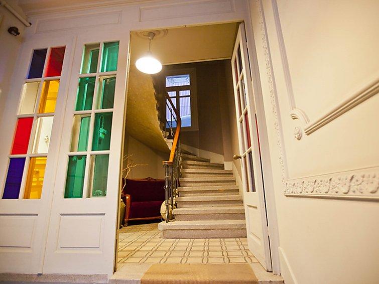 cihangir-apartment
