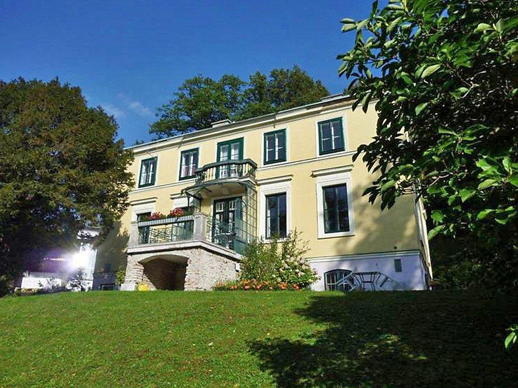 Ferienwohnung Villenapartment Neuwaldegg Villa in Österreich