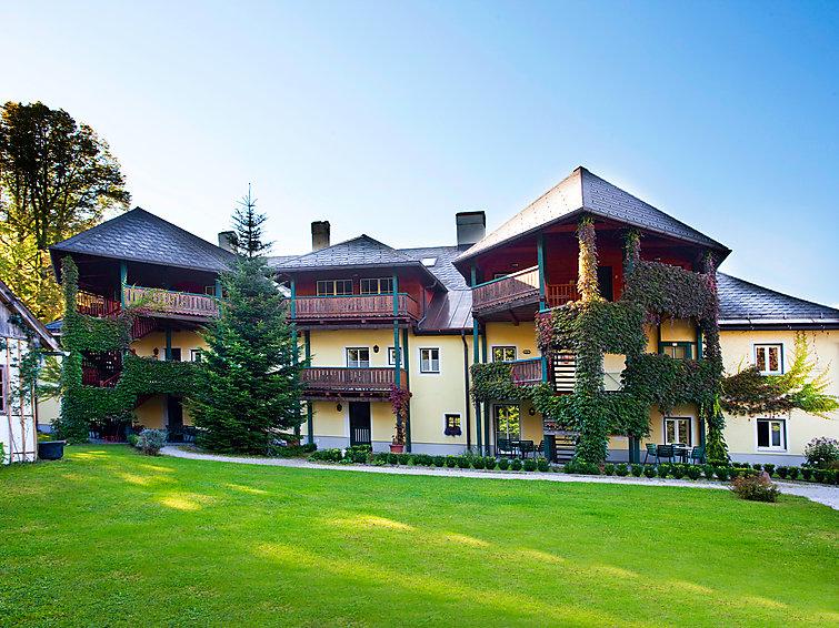 Apartman za odmor Forsthaus u blizini klizanja na ledu i s pećnicom
