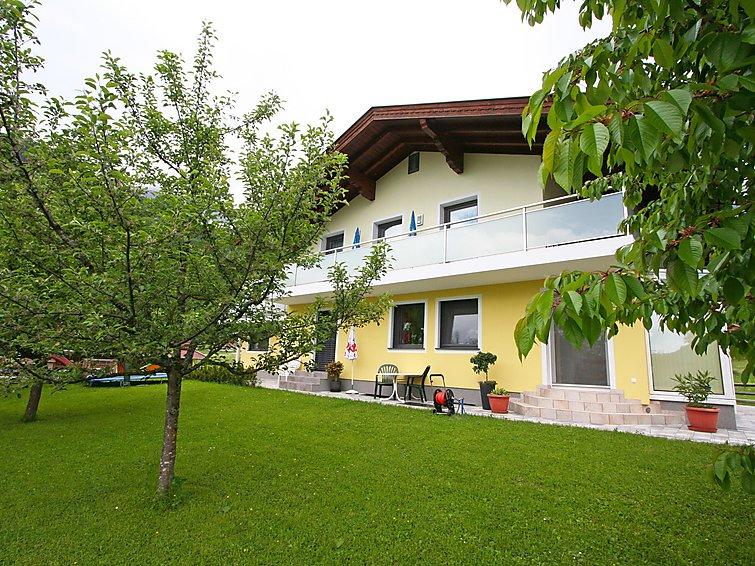 Apartman za odmor Rosi s balkonom i dječjim igralištem