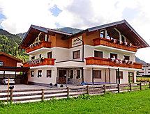 Griessenkar con letto per bambini und balcone