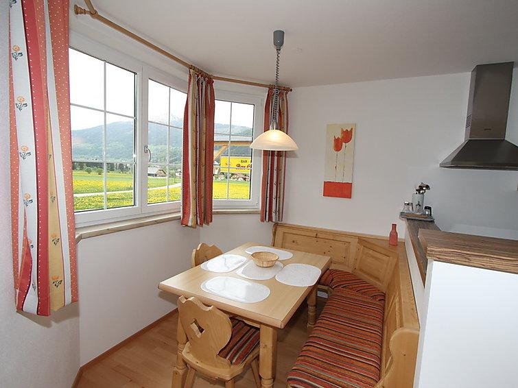 Appartement Aineckblick voor 4 personen op 50 meter van de skipiste (I-367)