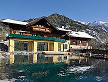 Haus Katharina mit Parkplatz und Pool