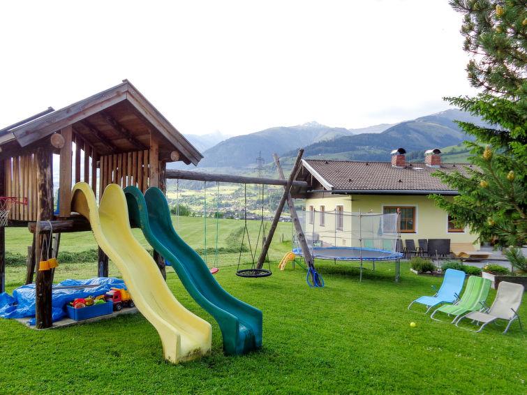 Erlachhof - Slide 2