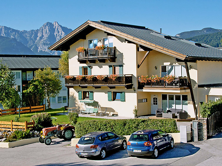 Apartment Arthur at the South of the ski ring with wifi in Tirol, Austria (I-439)
