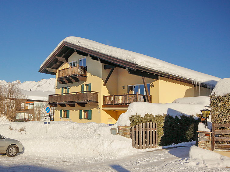 At the ski ring is this Apartment Arthur (4p) with sauna and wifi located (I-424)