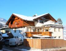 Wolfgang yakınında kayak alanı ve WLAN ile