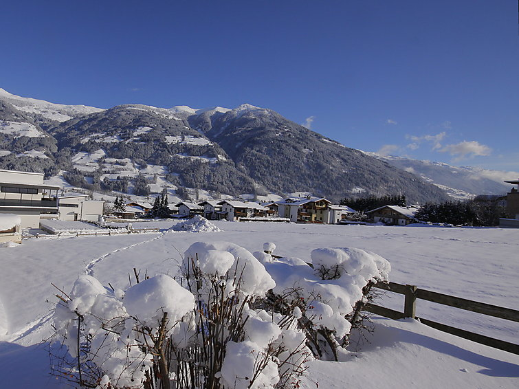 Zillertal luxurious wintersport apartment Berndt at the piste in Fugen pets are allowed (6p) (AT6263.370.2)