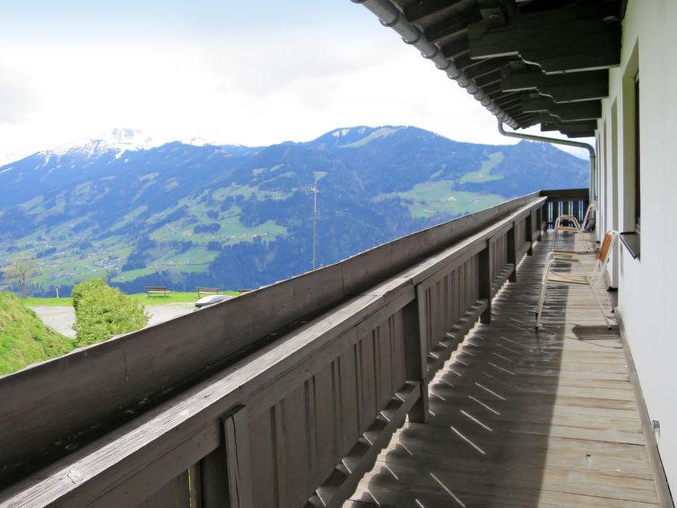 Steinerhof - Slide 8