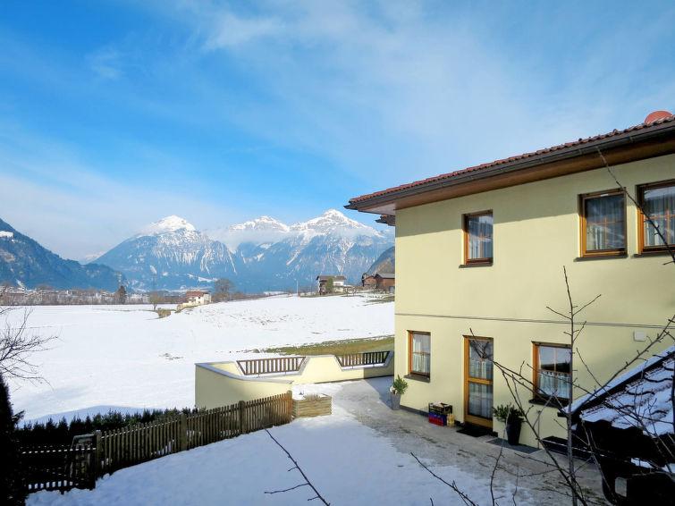 Haus Ruech - Slide 1