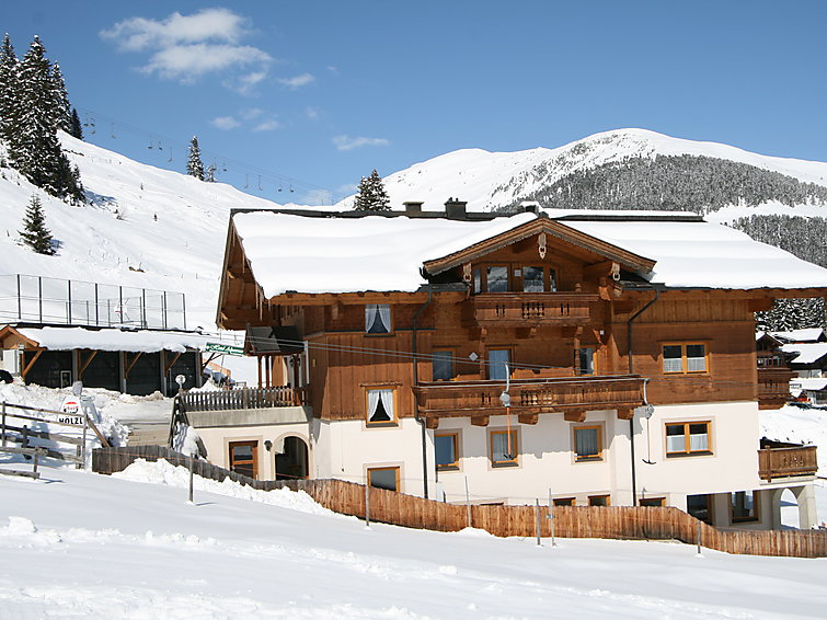 Apartment Voithofer is located directly next to the ski area of Konigsleiten (4p) (I-296)