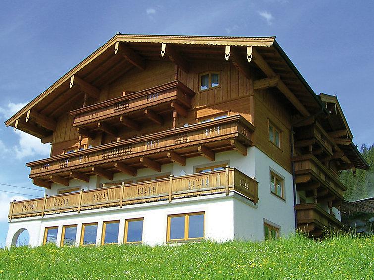 wintersport appartement Voithofer aan de piste in het Zillertal, 3 km van meer (6p) (I-298)