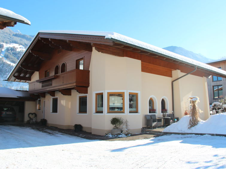 Apartment Hundsbichler (2p) central located between the center en the ski ring (AT6283.170.1)