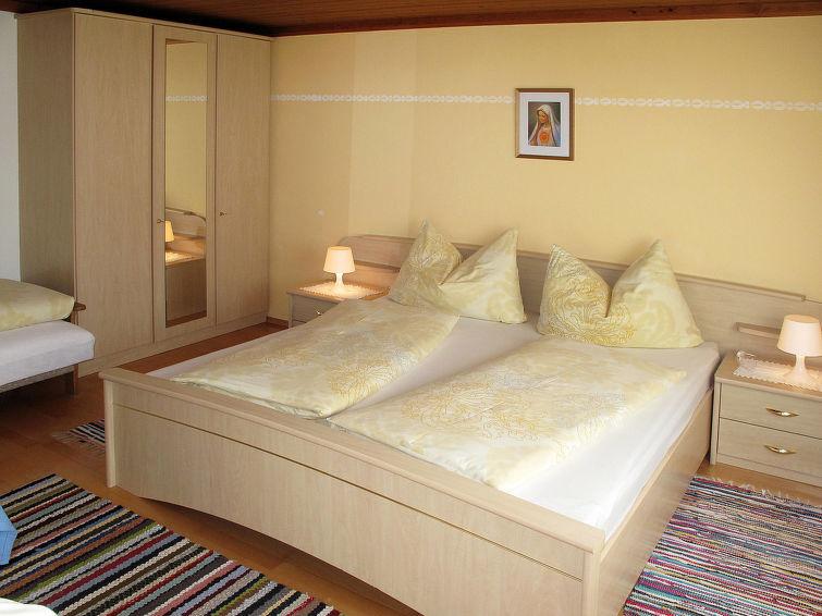 Slide6 - Haus Margit