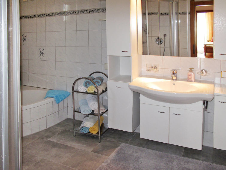 Slide7 - Haus Margit