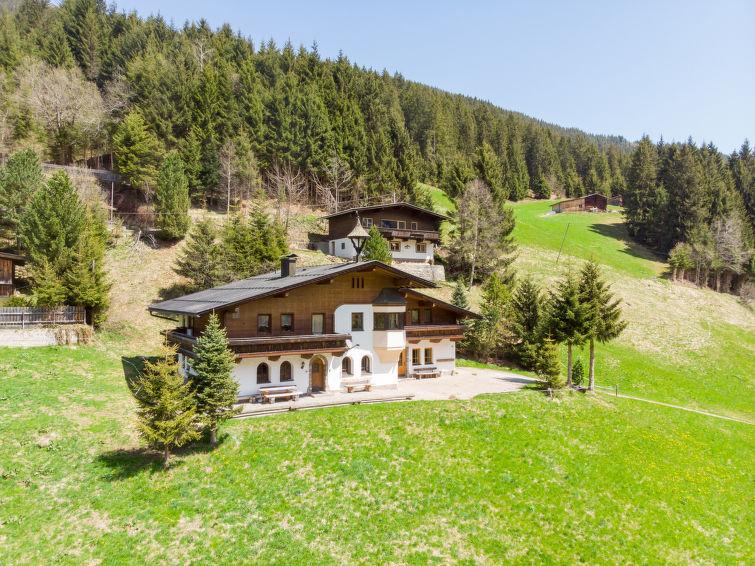 Berghaus - Slide 9