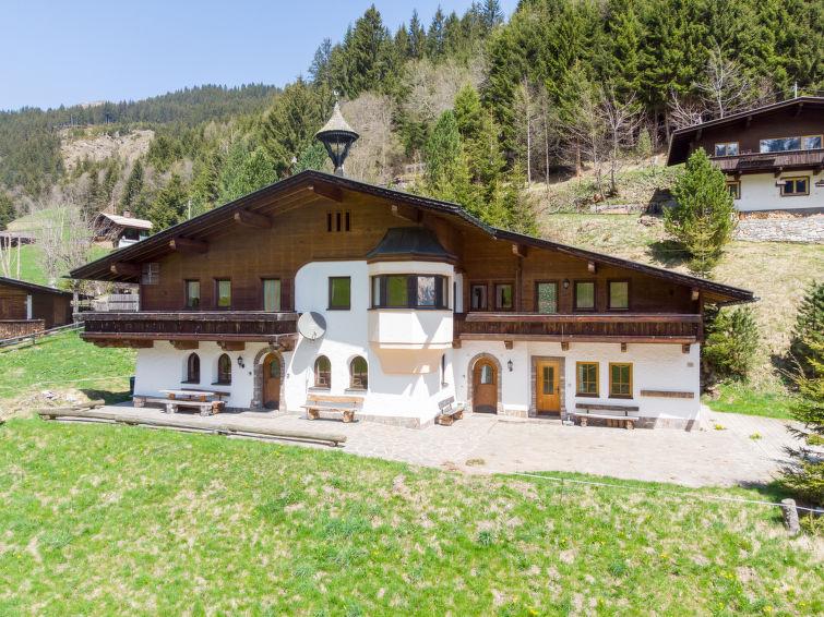 Berghaus - Slide 10