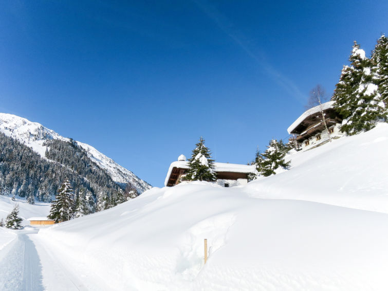 Berghaus - Slide 3