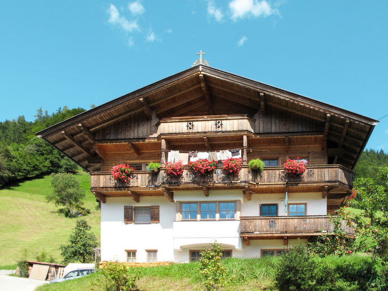 Slide1 - Einfanghof