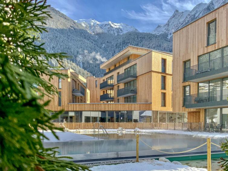 All Suite Resort - Slide 2