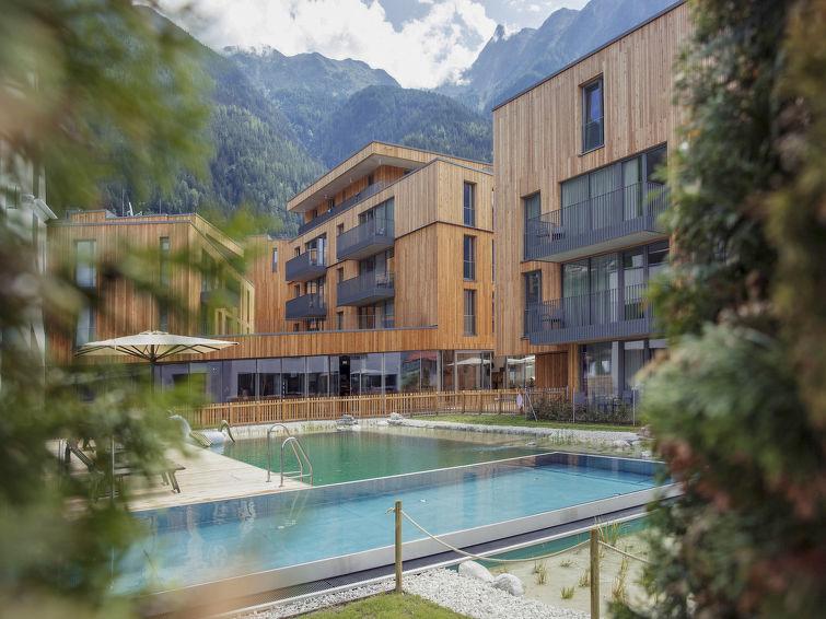 All Suite Resort - Slide 1