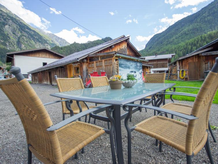 Slide5 - Apart Letta Tirol