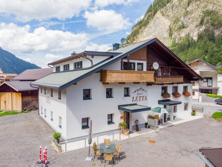 Slide10 - Apart Letta Tirol