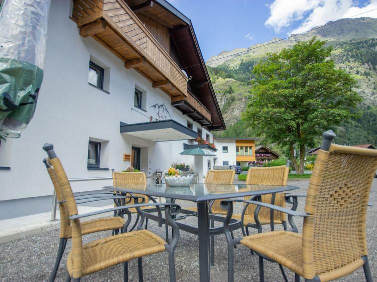 Slide9 - Apart Letta Tirol