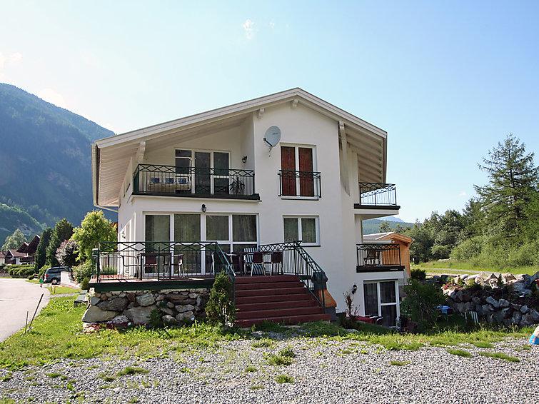 Slide6 - Haus Panorama