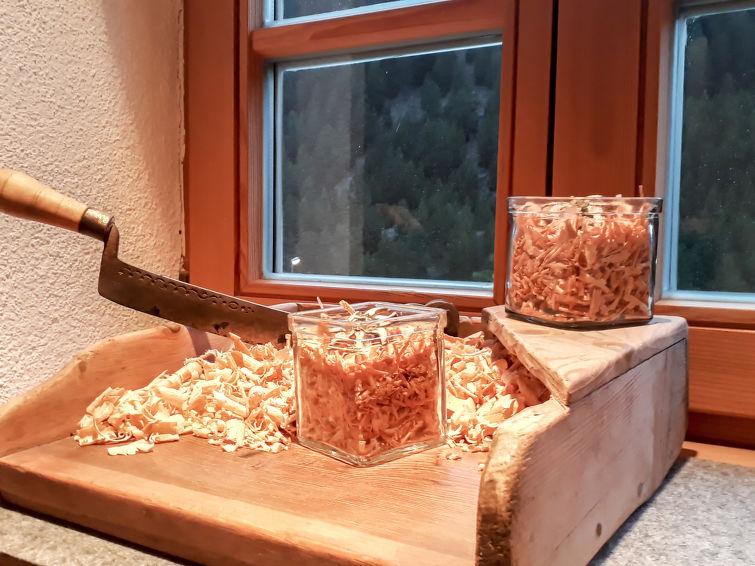 Beim Holzschnitzer - Slide 11